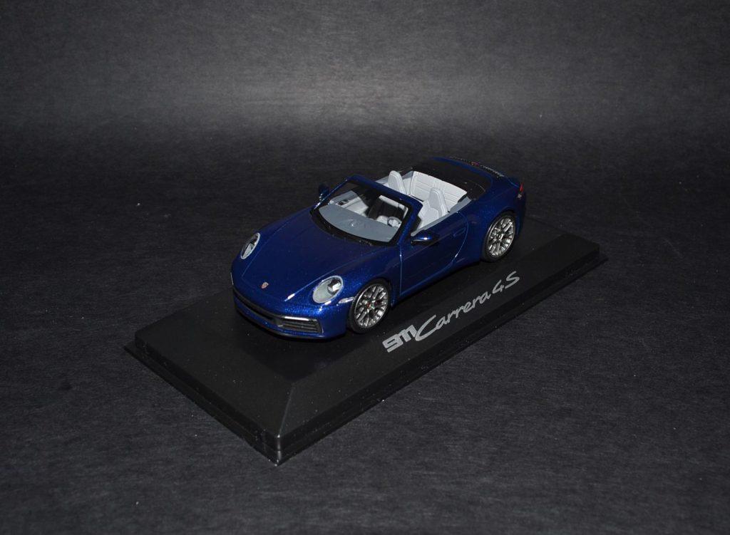 Minichamps 911 Carrera 4S cabriolet blue_4x