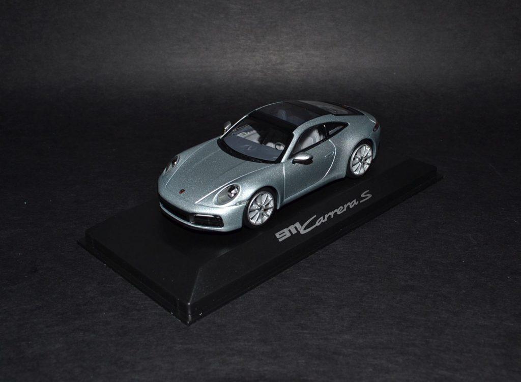Minichamps 911 Carrera S silver_4x