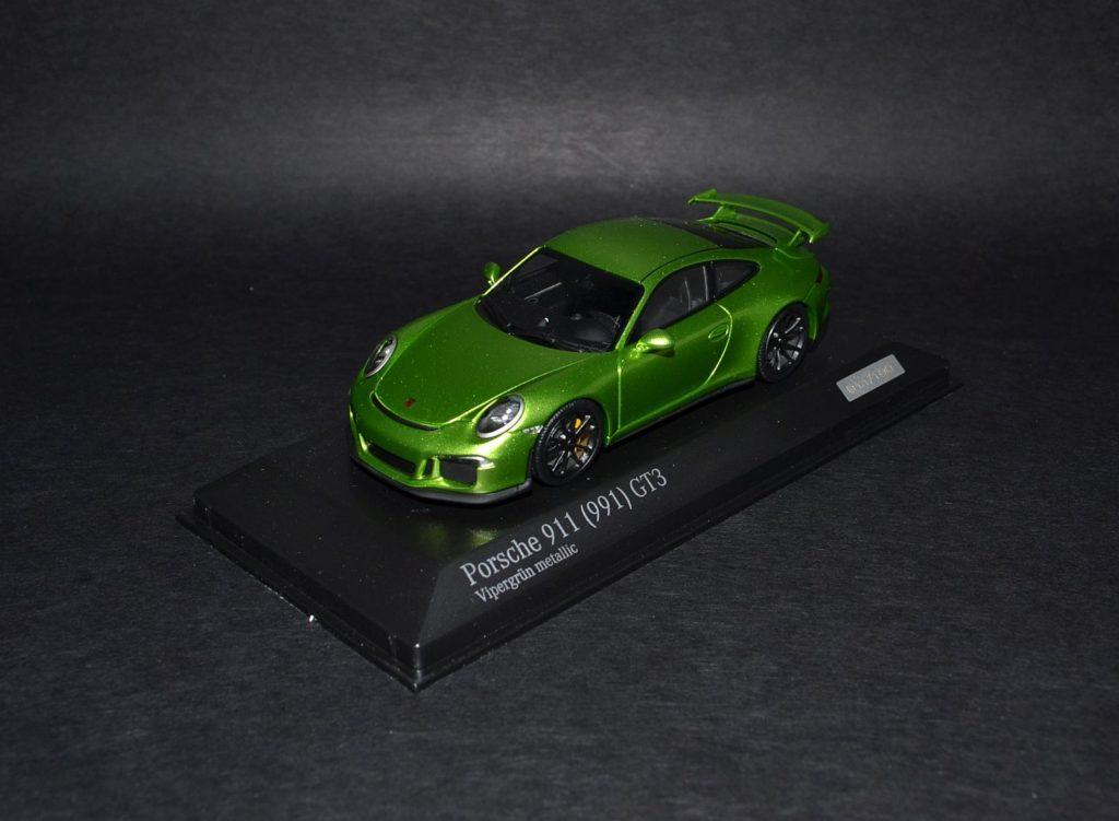 Minichamps Porsche 911 991 GT3 green_4