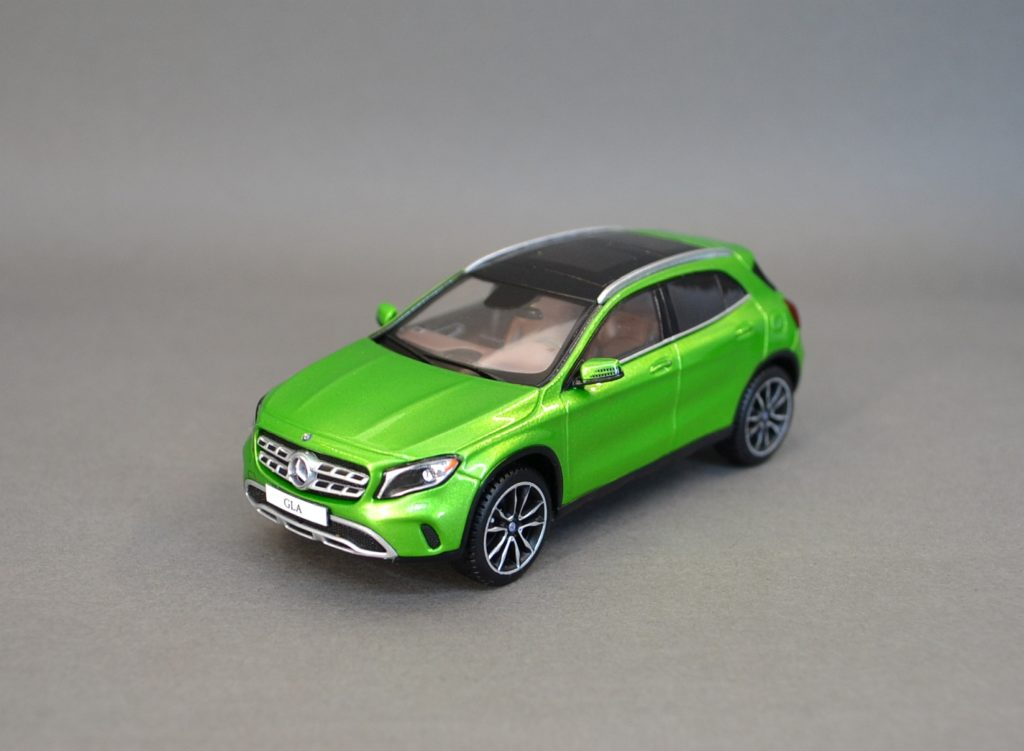 Mercedes GLA green 7