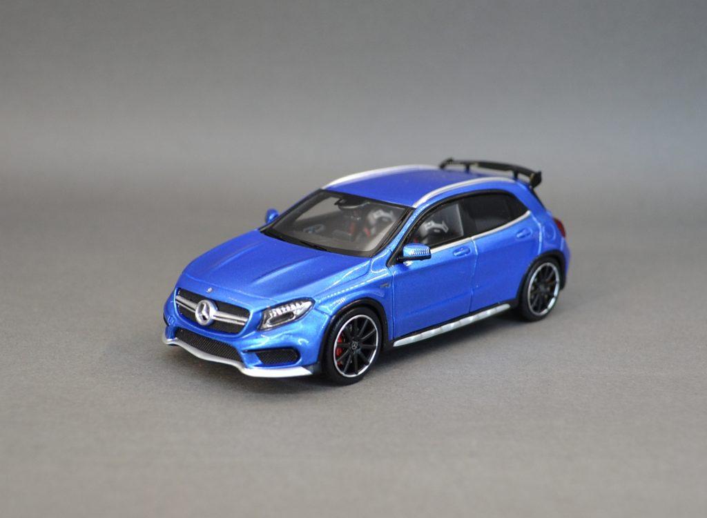 Spark Mercedes AMG GLA45 blue_6