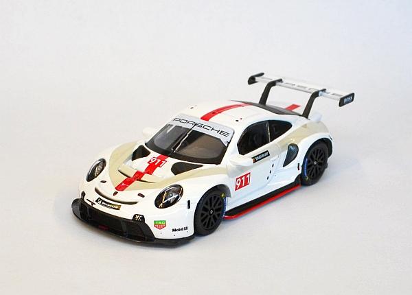 Porsche Taycan & Porsche 911 RSR